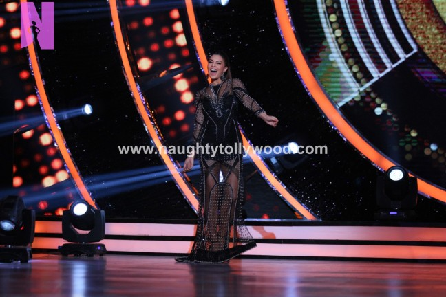 alia-bhatts-appearance-on-jhalak-dikhhla-jaa-10