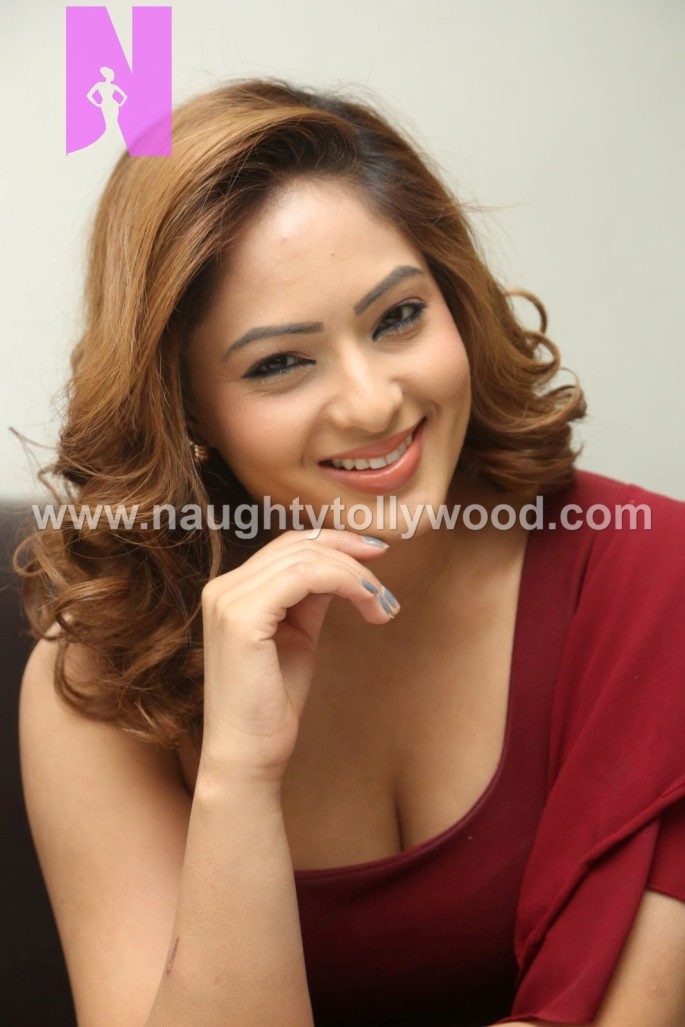 nikesha-patel-hot-25