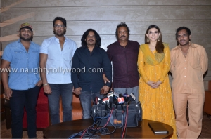 lukkunodu-movie-show-pressmeet-at-sujana-form-mall-72luckunodu-press-meet
