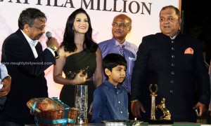 sunny-leone-attends-the-atilla-million-race-by-kishore-dhingra-26