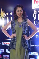 30laxmi rai hot at iifa utsavam