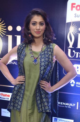 39laxmi rai hot at iifa utsavam