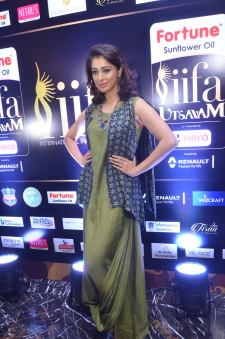 63laxmi rai hot at iifa utsavam