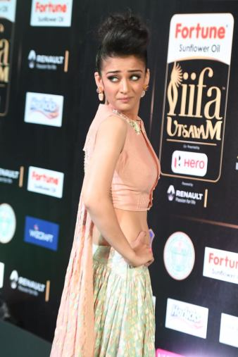 akshara hassan hot at iifa awards 2017Akshara Hassan (21)