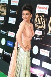 akshara hassan hot at iifa awards 2017Akshara Hassan (31)