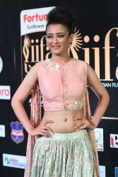 akshara hassan hot at iifa awards 2017Akshara Hassan (50)