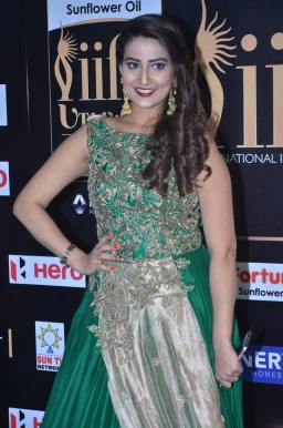anchor manjusha at iifa awards 2017DSC_5833