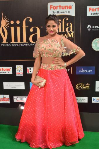 ashmitha sood hot at iifa 201716