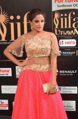 ashmitha sood hot at iifa 201725
