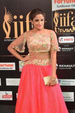 ashmitha sood hot at iifa 201728
