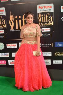 ashmitha sood hot at iifa 201732