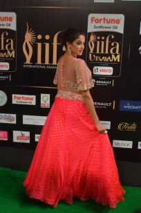 ashmitha sood hot at iifa 201733