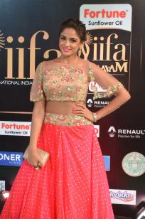 ashmitha sood hot at iifa 20178
