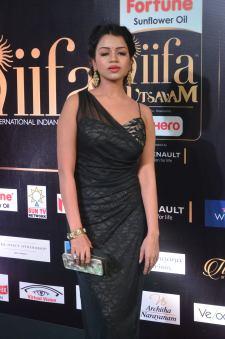 bhavya sri hot at iifa awards 2017 DSC_14850539