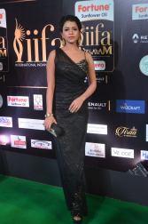 bhavya sri hot at iifa awards 2017 DSC_14890543