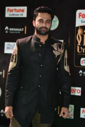 celebrities at iifa awards 2017 HAR_54540018