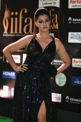 celebrities at iifa awards 2017 HAR_58400035