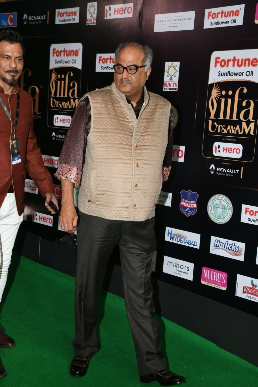 celebrities at iifa awards 2017 MGK_14210033