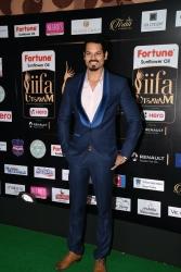 celebrities at iifa awards 2017 MGK_16110027