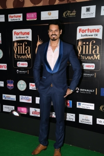 celebrities at iifa awards 2017 MGK_16110027
