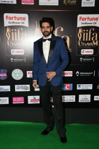 celebrities at iifa awards 2017 MGK_17170031
