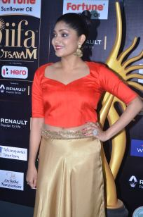 DSC_61150013samyukta hornad at iifa awards