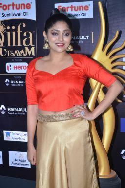 DSC_61210019samyukta hornad at iifa awards