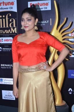 DSC_61250023samyukta hornad at iifa awards