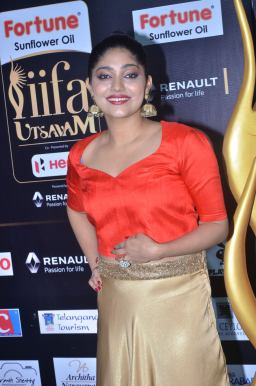 DSC_61280026samyukta hornad at iifa awards