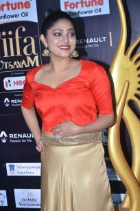DSC_61320030samyukta hornad at iifa awards