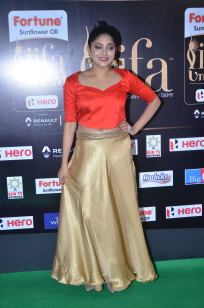 DSC_61390037samyukta hornad at iifa awards