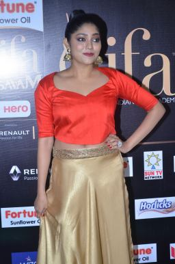 DSC_61440042samyukta hornad at iifa awards