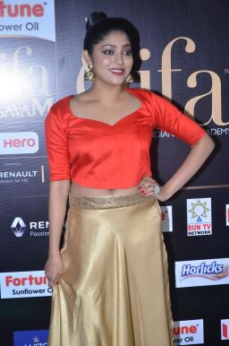 DSC_61480046samyukta hornad at iifa awards