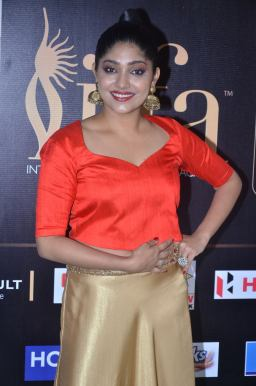 DSC_61810077samyukta hornad at iifa awards