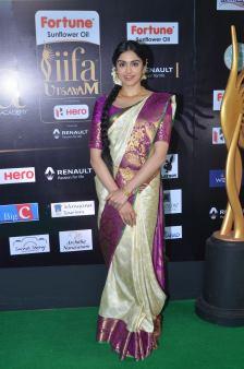 DSC_73370015adah sharma at iifa awards 2017