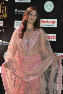gowri munjal hot at iifa awards 2017 HAR_56130011