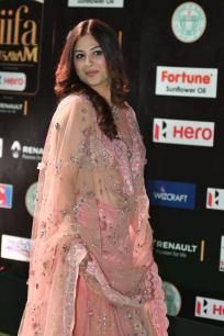 gowri munjal hot at iifa awards 2017 HAR_56230021