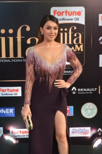 hansika hot at iifa awards 2017DSC_8288
