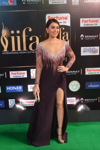 hansika hot at iifa awards 2017DSC_8299