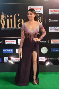 hansika hot at iifa awards 2017DSC_8305
