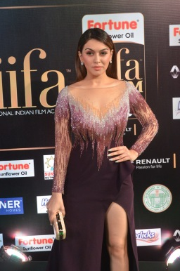 hansika hot at iifa awards 2017DSC_8311