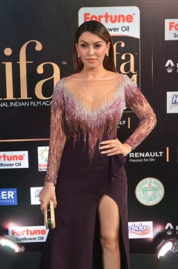 hansika hot at iifa awards 2017DSC_8314