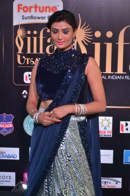 ishitha vyas hot at iifa awards 2017DSC_00690017