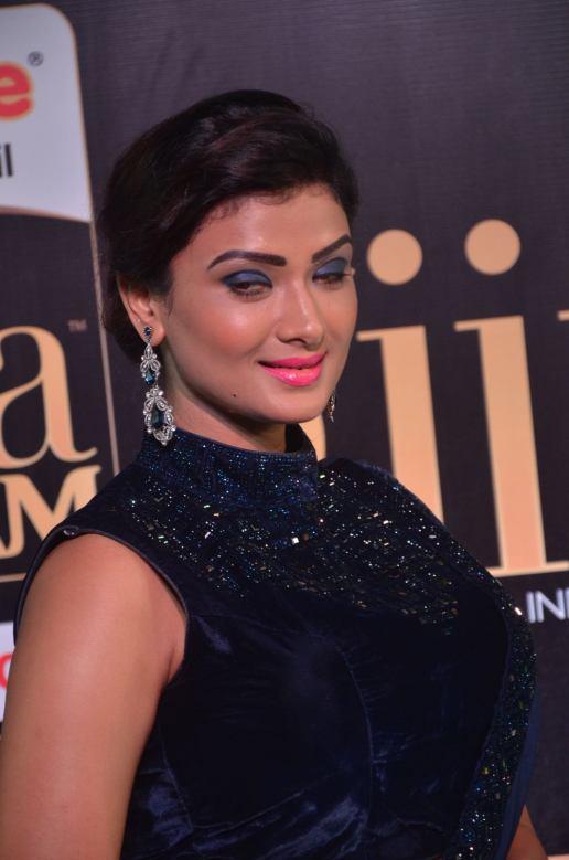 ishitha vyas hot at iifa awards 2017DSC_00980046