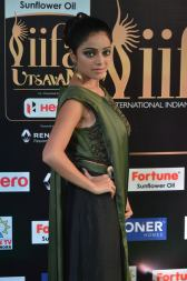 jnani iyer hot at iifa awards 2017Janani Iyer (27)