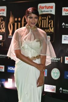 lakshmi manchu hot at iifa awards 2017 HAR_58850005