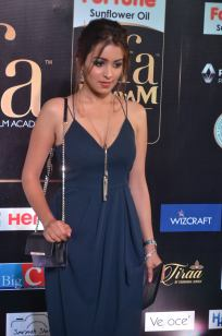 latha hegde hot at iifa 201719