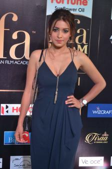 latha hegde hot at iifa 201721