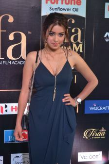 latha hegde hot at iifa 201725