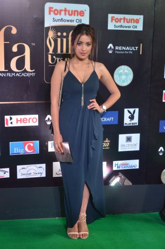 latha hegde hot at iifa 20173